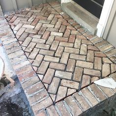 this happened yesterday! They finished paving the front porch stoop and walkway! What did I do during that time you ask? Well, I basically stalked them, while taking pictures. Brick Porch, Brick Walkway, Front Walkway, Front Porch, Front Stoop Decor, Brick Courtyard, Brick Steps, Porch Steps, Brick Flooring