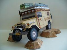 "Toyota ""LandCruising"" BJ45 Troopy Land Cruiser paper model  http://www.landcruisingadventure.com/print-cut-glue-paper-cruiser/"