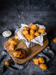 Not only is this Keto Popcorn Chicken low in carbs, but it is also gluten free, making it the perfect healthy treat while still feeling indulgent. Best Popcorn Chicken Recipe, Indian Food Recipes, Whole Food Recipes, Comida Pizza, Fingers Food, Good Food, Yummy Food, Food Photography Tips, Food Cravings