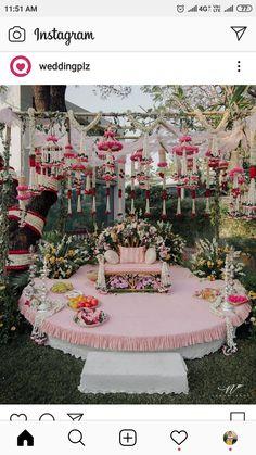 Desi Wedding Decor, Wedding Hall Decorations, Marriage Decoration, Engagement Decorations, Wedding Mandap, Wedding Scene, Dorm Decorations, Mehendi Decor Ideas, Mehndi Decor