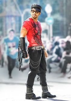 Happy Birthday to Allu Arjun (Actor, Model, Dancer) Romantic Couple Images, Couples Images, Dj Movie, Movie Photo, Indian Actress Pics, Indian Actresses, Allu Arjun Hairstyle, Mom Dad Tattoos, Allu Arjun Wallpapers