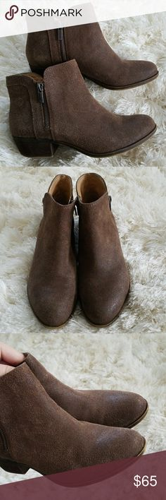 Sale🗝Lucky brand lk-breah ankle bootie - boots Lucky brand ankle boots -booties in very good condition size 6.5. Has zippers on both sides. Lucky Brand Shoes Ankle Boots & Booties