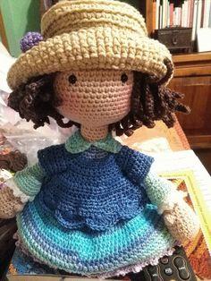 Un elemento tan sencillo como el sombrero puede darle cierto toque a cada muñeca, en particular a esta le favorece y mucho...espero que o...