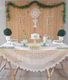 1 million+ Stunning Free Images to Use Anywhere Baptism Party Decorations, First Communion Decorations, Communion Centerpieces, First Holy Communion Cake, Boy Baptism, Craft Party, Free Images, Center Pieces, Lucca