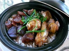 pretty epic claypot rice here..makes me miss hong kong food so much.
