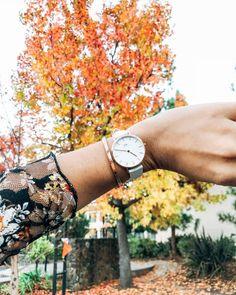 a3cd0829d2f Mordi a língua e agora tô amando usar relógios delicadinhos assim com tudo  quanto é look