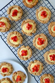 Ditch the forks in favor of your fingers with a quick and easy recipe for cheesecake cookies topped with fresh strawberries. Pumpkin Cheesecake Cookies Recipe, No Bake Chocolate Cheesecake, Strawberry Cheesecake, Cheesecake Recipes, Cheesecake Cups, Baking Recipes, Cookie Recipes, Dessert Recipes, Mini Desserts