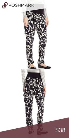 Jules & Jim Maternity Rayon Cargo Pants Rayon cargo pants by Jules and Jim. Black and white print with an amazing belly band for a great fit. Size small. Also has inner adjustable waist. Jules & Jim Jeans Straight Leg