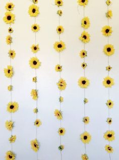 Summery Sunflower Garland / College Room Decor / by AGoldenGarden