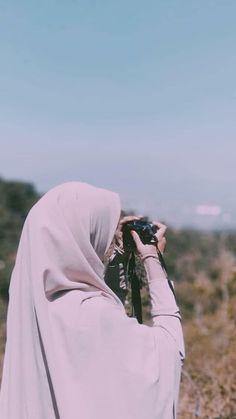 Stylish Hijab, Casual Hijab Outfit, Ootd Hijab, Niqab Fashion, Muslim Fashion, Hijabi Girl, Girl Hijab, Muslim Girls Photos, Girls With Cameras