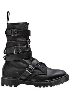 These are Made for - A military style classic, Doc Martens are stylish and resilient. Their sturdy leather build is up for whatever adventures you have planned. Military Fashion, Mens Fashion, Rock Fashion, Military Style, Dr. Martens, Cool Tactical Gear, Men's Shoes, Shoe Boots, Nike Shoes