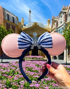 The NEW Macaron Minnie Ears in EPCOT Are a Food Lover's Dream Come True! | the disney food blog Disney Fantasy Cruise, Disney Cruise Line, Disney Minnie Mouse Ears, Disney Food, Disney Stuff, Disney World Restaurants, Disney Dining Plan, Modern Disney, Disney Merchandise