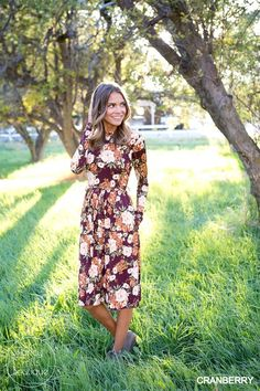 Look fabulous from dawn to dusk in this gorgeous Floral Tie Midi!
