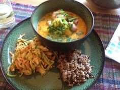 Salmon pineapple curry, wild rice blend and Asian slaw. #curry #asianslaw