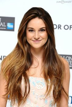 PHOTOS - Shailene Woodley à Londres le 20 octobre 2011.
