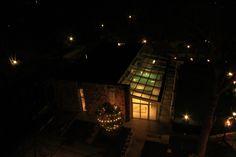 Hotel Le Terme a Bagno Vignoni. Un luogo #green e attento alla sostenibilità ambientale.    Il tetto della struttura termale è ricoperto di erba e piante grasse. #terredisiena