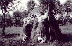 Romanian peasants in the early twentieth century Romania, The Twenties, Culture, Country, Couple Photos, My Love, Ethnic, Pride, Photographs