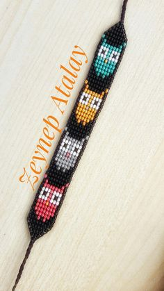 Atemperle I wanted to show you how to make a bracelet with natural stone and leather thread with video. Loom Bracelet Patterns, Seed Bead Patterns, Beaded Jewelry Patterns, Beading Patterns, Beading Ideas, Beaded Braclets, Bead Loom Bracelets, Bracelet Crafts, Bead Loom Designs