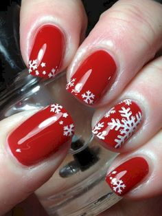 Here is a tutorial for an interesting Christmas nail art Silver glitter on a white background – a very elegant idea to welcome Christmas with style Decoration in a light garland for your Christmas nails Materials and tools needed: base… Continue Reading → Christmas Nail Polish, Cute Christmas Nails, Christmas Nail Art Designs, Xmas Nails, Winter Nail Designs, Winter Nail Art, Holiday Nails, Winter Nails, Christmas Snowflakes