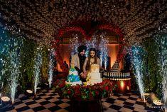 Indian Wedding Couple, Sikh Wedding, Wedding Couples, Wedding Pictures, Wedding Ideas, Punjabi Couple, Bridal Poses, Wedding Function, Reception Party