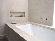 Soms wil je gewoon eens iets veranderen in huis. Meestal kom je met wat accessoires of een likje verf al een heel eind. Niet veel mensen denken er snel aan om de badkamer aan te pakken, en dat is zonde. Typisch een ruimte die eigenlijk maar één keer in de zoveel jaar wordt aangepakt, en dan ook nog meestal alleen wanneer je verhuist. Terwijl je bijvoorbeeld met tadelakt je badkamer een compleet nieuwe look kunt geven! Tadelakt is een ecologisch … Lees meer...