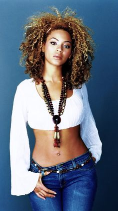 Beyonce, a lady who can do singies and that. She is very lovely indeed! Pear Shaped Celebrities, Pear Shaped Women, Beyonce Body, Beyonce Style, Pear Body, Beyonce Knowles, Queen B, Body Inspiration, Monokini