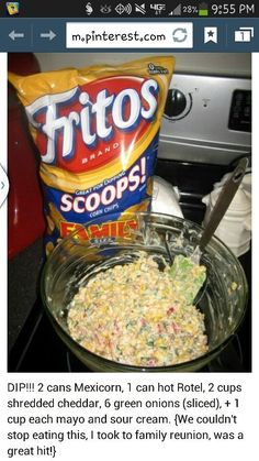 Its the best! People raved and wanted the recipe! Very easy, and feeds a crowd. Be sure to use Fritos scoops. Tortilla chips are not sturdy enough. Appetizer Dips, Yummy Appetizers, Appetizer Recipes, Think Food, I Love Food, Fingers Food, Planning Menu, Football Food, It Goes On
