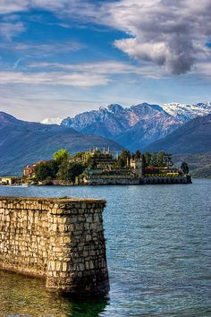 Isola Bella, Lake Maggiore, Italy.  I love Italy too!  This island and it's gardens are enchanting. The place that inspired Miss S' middle name, Isola Bella!!
