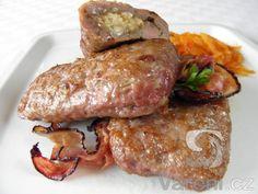 Snadný recept na kapsy z vepřového mletého masa plněné balkánským sýrem - vše na srbský způsob.