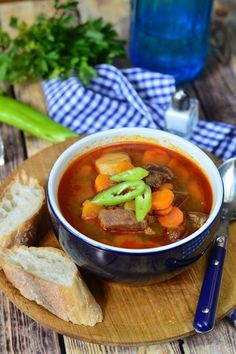 Gulyásleves recept Goulash Soup, Stew, National Dish, Soup And Salad, Thai Red Curry, Quinoa, Meal Planning, Chili, Salads
