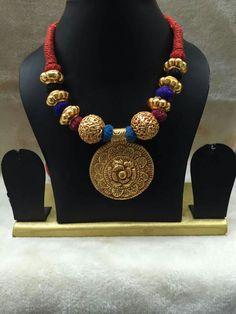 Tikka Jewelry, Temple Jewellery, India Jewelry, Ethnic Jewelry, Pearl Jewelry, Antique Jewelry, Beaded Jewelry, Jewelery, Diamond Necklace Set