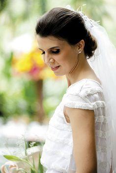 Beleza criada por Ronald Perega. O casamento de Maria Claudia e Fernando foi publicado no  Euamocasamento.com, e as fotos são de Ribas Foto e Vídeo.  #euamocasamento #NoivasRio #Casabemcomvocê