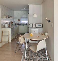 Kitchen Interior, Room Interior, Kitchen Decor, Kitchen Design, Kitchen Living, Diy Kitchen, Kitchen Ideas, Korean Apartment Interior, Japanese Apartment