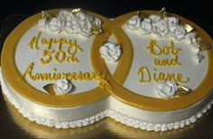 gold rings for 50th anniversary | Inter-locking gold rings for a 50th wedding anniversary cake