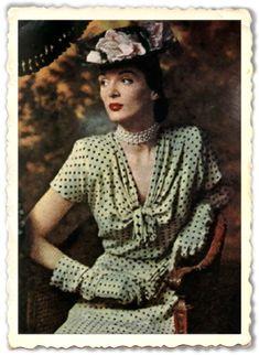 La mode des années 40. Robe à pois, chapeau et gants assortis.Toilette créée par Rose Barrack, en 1945.