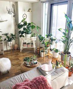 New Stylish Bohemian Home Decor and Design Ideas - Bohemian Home Living Room Living Room Plants, Room With Plants, House Plants Decor, Plant Decor, Living Room Decor, Indoor Plants Low Light, Best Indoor Plants, Outdoor Plants, Interior Natural