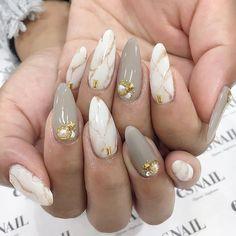 Pretty mix and match nail colour ideas - mismatched nail art #nails #nail