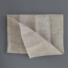 Linen Scrim / I use it as a kitchen cloth to clean the table or the kitchen surfaces, last a long time and it can be washed in the washing machine. never again those petrol derived kitchen cloths!