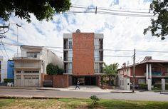 Edificio Rosas 121 / - = + x -