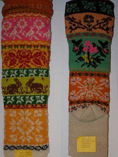 Muhu sukad-sokid / Folk socks and stockings, island Muhu Crochet Socks, Knitting Socks, Hand Knitting, Knit Crochet, Knitting Patterns, Crochet Patterns, Textiles, Art Textile, Fair Isle Knitting