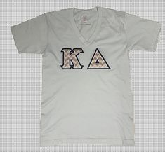 Chevron letters never go out of style! Choose your favoite in the Design Shop. You'll love the way we sew your custom greek apparel. Delta Greek Letter, Greek Letter Shirts, Fraternity Letters, Sorority Letters, Chevron Letter, Letter V, American Apparel Shorts, Custom Greek Apparel, Kappa Delta