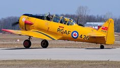 A T-6 Harvard MK4 ( T-6 Texan ) in RCAF markings