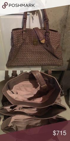 "Bottega Veneta Shoulder Bag Bottega Veneta Shoulder Bag. AUTHENTIC!!! GREAT condition! 15"" W x 9.5"" H x 9"" D last picture is the only sign of ware on the bag Bottega Veneta Bags Shoulder Bags"