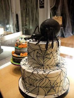 spider and web cake