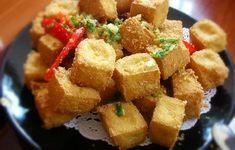 Tahu crispy ini rasanya sangat lezat dan unik karena memakai bumbu siraman cabai, bawang dan garam.