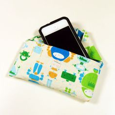 No Sew Duct Tape iPhone Case ... see if clear duct tape would work for inside!