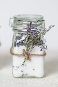20 DIY Wedding Favors Your Guests Will Love and Use - Lavender sugar http://sugarandcharm.com/2011/06/infusing-sugar.html/