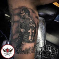 Ryan Giggs portrait done with #magnumtattoosupplies from Martin Thornton #manchesterunited #blackandgrey #ryangiggsportrait #tattoo