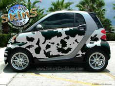 Cow Print Smart Car Skin - it would have looked better if the trim was black Smart Auto, Smart Car, Cow Tipping, Benz Smart, Smart Fortwo, Car Colors, Street Smart, Cow Print, Cute Cars