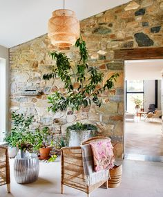 Romancing the Stone: Go Inside This Restored, Preserved Farmhouse in Pennsylvania Roman And Williams, Climbing Hydrangea, Romancing The Stone, How To Hang Wallpaper, Small Buildings, Meditation Space, House On A Hill, Farmhouse Homes, Globe Lights
